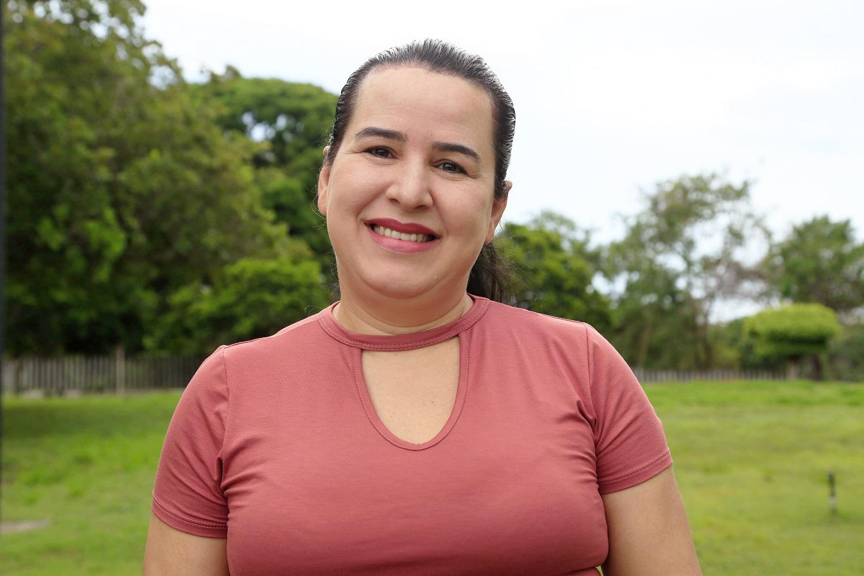 """""""Descobrimos que é necessário um maior número de reaplicações dos produtos para atingir o período de proteção desejado"""", conta a pesquisadora Adriana dos Santos Estevam"""